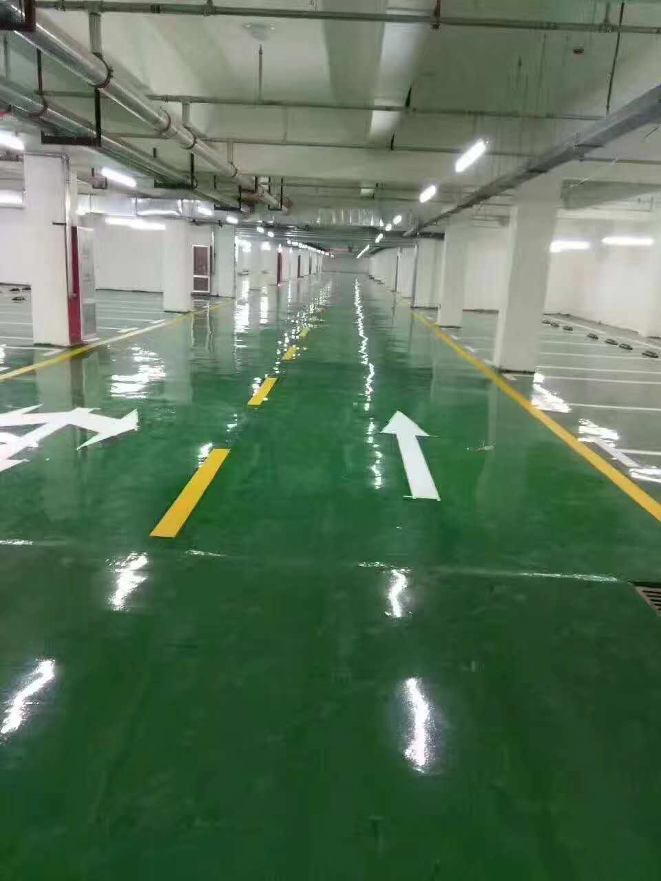 京东呼叫中心地下车库环氧自流平工程